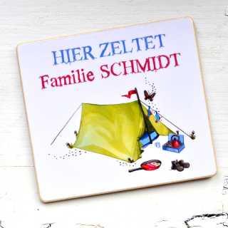Magnet HIER ZELTET Familie + IHR WUNSCHNAME