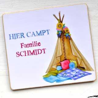 Magnet HIER CAMPT Familie + IHR WUNSCHNAME