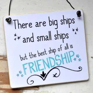 Dekoschild FRIENDSHIP aus Holz zum Thema Freundschaft