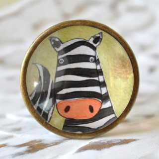 Kinder Möbelknopf mit Tiermotiv fürs Kinderzimmer Zebra alt Messing brüniert (altgoldener Look)