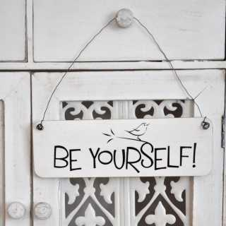 Shabby Chic Schild BE YOURSELF