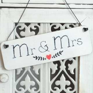 Dekoschild MR. & MRS aus Holz im Tafel-Design weiß
