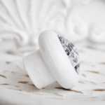 Möbelknöpfe MOUSTACHE Modell HENRY weiß