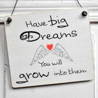 Holzschild HAVE BIG DREAMS mit Flügeln