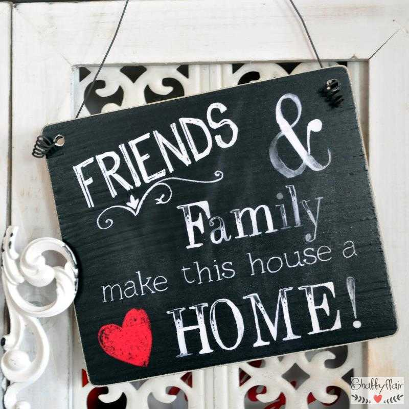 dekoschild holzschild friends family make this house a home. Black Bedroom Furniture Sets. Home Design Ideas