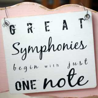 Holz-Dekoschild GREAT SYMPHONIES begin with just one note 17 x 20 x 0,4 cm